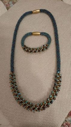Pattern from Kumihimo with Beads