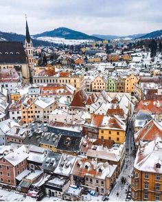 8 Of The Cheapest Cities In Europe That You Need To Visit! Looking for affordable destinations in Europe that wont break the bank? Here are our top picks for cities including a daily budget for them. Magical Vacations Travel, Vacation Trips, Travel Destinations, Budapest, Valencia, Cities In Europe, Travel Europe, Budget Travel, Germany Castles