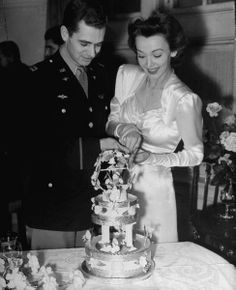 Carole Landis, stage and screen actress and WWII pinup girl, marries CAPT Thomas Wallace, 1943