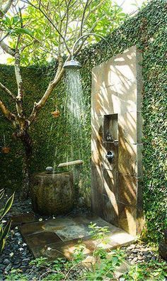 Outdoor bathrooms Would love to have this outdoor shower secluded by greens & trees. Outdoor bathrooms - The Ultimate in Glamping -Breathe Bell Tents Australia.