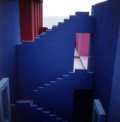 Galería de Clásicos de Arquitectura: La Muralla Roja / Ricardo Bofill - 22