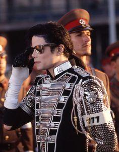 Letters to Michael Jackson Michael Jackson Jacket, Michael Jackson Smile, Michael Jackson Outfits, Michael Jackson History Tour, Jackson Music, Michael Jackson Wallpaper, Paris Jackson, Joseph, King Of Music