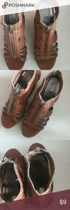 Selling this Lsenboye  Women Brown lather Size 7 Shoes on Poshmark! My username is: newtoyou2333. #shopmycloset #poshmark #fashion #shopping #style #forsale #Shoes
