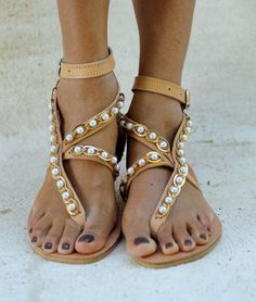 "Greek leather sandals decorated with  a gold chain and pearls ""Lauren"" (handmade to order)"