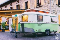 Jolie Eriba Triton Small Travel Trailers, Camping Trailers, Eriba Puck, Retro Rv, Mini Tour, Caravan Ideas, Camper Caravan, Camping Glamping, Mobile Home