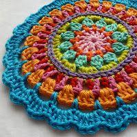 Mandala color inspiration.  Pattern at: http://made-in-k-town.blogspot.de/2012/05/little-spring-mandala.html
