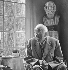 The Life of Carl Jung, Founder of Analytical Psychology