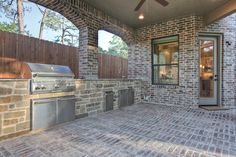 Elegant, classic and expansive design - traditional - patio - houston - Silvan Homes