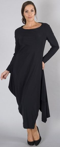 Cute Lagenlook tunic and pants outfit: http://www.boomerinas.com/2014/10/29/trendy-plus-size-clothing-stores-online-29-boutiques-designers-worldwide-with-us-delivery/