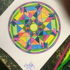 Mándala 06 Laberinto de colores