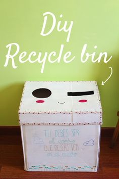 DIY Recycle (recicled) bin!