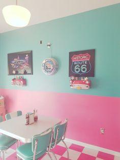 THE PASTEL /// pastel aesthetic / pink aesthetic / kawaii / wallpaper backgrounds / pastel pink / dreamy / space grunge / pastel photography / aesthetic wallpaper / girly aesthetic / cute / aesthetic fantasy 1950s Aesthetic, Diner Aesthetic, Aesthetic Vintage, Aesthetic Girl, Vintage Diner, Retro Diner, Vintage Style, Cafeteria Retro, Casa Retro