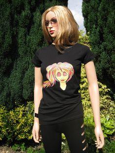 """ALICE BRANDS oferece uma gama de diferentes originais, desenhos exclusivos, em coulours vibrantes jovens, sobre a qualidade do """"soft para a pele"""" das mulheres tops e t-shirts. etsy.com/uk/shop/AliceBrands ... Ver gama completa de www.alicebrands.co.uk"""