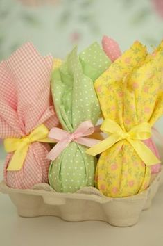Ideas for diy food crafts easter eggs Easter 2018, Easter Party, Christmas Food Gifts, Holiday Crafts, Diy Christmas, Easter Egg Crafts, Easter Eggs, Creation Deco, Easter Holidays