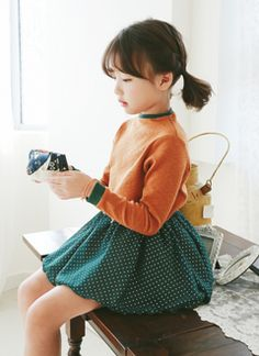 スマートエミリーTシャツ Cute Asian Babies, Korean Babies, Asian Cute, Cute Korean, Cute Babies, Cute Young Girl, Cute Baby Girl, Cute Girls, Toddler Girl Outfits
