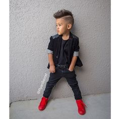 ❤️ Thank you for these perfect spiked shoes to complete the look inspired by ❤️ Little Man Style, Little Kid Fashion, Toddler Boy Fashion, Little Boy Outfits, Fashion Kids, Baby Boy Outfits, Fashion Black, Fashion Fashion, Outfits Niños