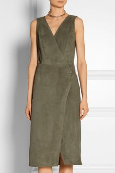 Combing the two trends of a wraparound dress and suede, Jason Wu creates a ladylike look inspired by the decade. Available at Net-a-Porter. Jason Wu, Wrap Around Dress, Wrap Dress, 1970s Trends, Fast Fashion, Fashion Outfits, Women's Fashion, 2015 Fashion Trends, Bohemian Chic Fashion