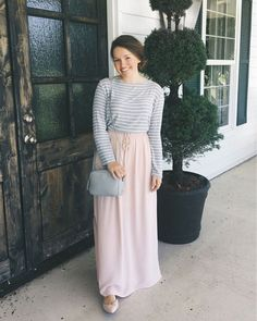 "Courtney Toliver on Instagram: ""Today's outfit is this super cute blush pink maxi skirt and the softest grey and white striped shirt from @soleil_blue. The weather is absolutely perfect in Oklahoma today! All of the details are linked here ➡️ http://liketk.it/2o9QL #liketkit @liketoknow.it"""