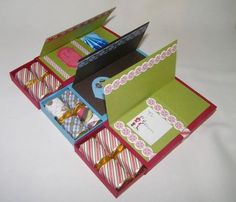 More than just a Gift Card Holder - I LOVE these! Now I don't have to feel like giving just a gift card is not enough! Candy Cards, Candy Gifts, 3d Christmas, Christmas Cards, Handmade Christmas, Craft Gifts, Diy Gifts, Food Gifts, Gift Cards Money