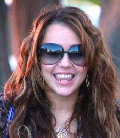 7b384cba756 Miley Cyrus wearing Gucci sunglasses Celebrity Sunglasses