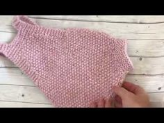 Body tejido para bebe con dos agujas - YouTube Knitting Videos, Knitting Stitches, Knitting For Kids, Baby Knitting, Knitted Baby Clothes, Knit Crochet, Women, Youtube, Knit Patterns