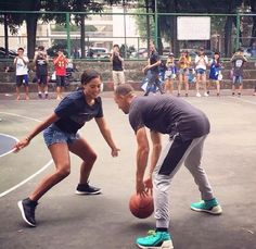 Golden State Warriors guard Stephen Curry and Ayesha Curry on his China tour, which is being conducted by Under Armour, in the city of Guangzhou on September Basketball Relationship Goals, Basketball Girlfriend, Basketball Couples, Basketball Memes, Basketball Skills, Love And Basketball, Basketball Pictures, Nike Basketball, Basketball Bedroom