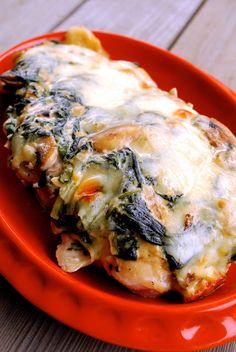 Cheesy Spinach & Mushroom Chicken Bake