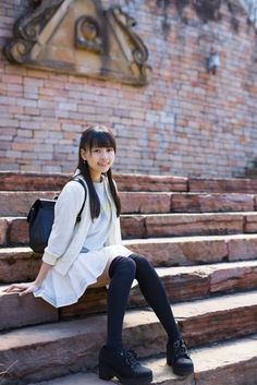School Girl Japan, School Girl Dress, Cute Asian Girls, Cute Girls, School Uniform Fashion, Beautiful Japanese Girl, Cute Girl Photo, Pleated Mini Skirt, Portrait Poses