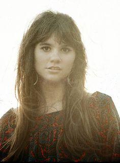 1970: Linda Ronstadt.  Photo, Michael Ochs.