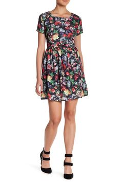 Short Sleeve Woven Printed Dress