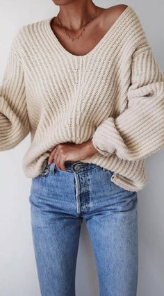 oversized neutral ribbed sweater and jeans