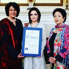 Beautiful Armeena Khan Received in New York For Acting Talent Lent To #Yalghaar. In with Presence Of Madam Ambassador #MaleehaLodhi and Nasreen Ahmed (First Pakistani Woman To Be Elected in Office NewYork) #Beautiful #Ladies #ArmeenaKhan #NewYork #PakistaniFashion #PakistaniActresses #PakistaniCelebrities  ✨