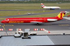 Airline McDonnell-Douglas (registered ZS-OBK) taxiing at Cape Town International Airport Plane Design, Commercial Aircraft, British Airways, Boeing 747, Airports, International Airport, Cape Town, Taxi, Airplane