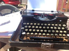 Beautiful day for hanging outside with my typewriter.