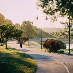 29. Running along the Eastern Prom. | 39 Amazing Things That Will Make You Fall In Love With Portland, Maine