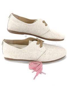 So comfortable, and I love that you can switch to pink stripe laces! Olukai Pakele Elua Flat Shoes