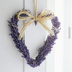 Rediscover lavender with this sweet lavender wreath #craft