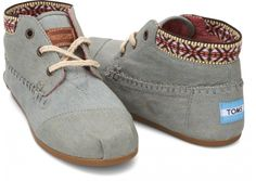 TOMS shoes Super cute and comfy dark grey wool TOMS shoes! Comes with drawstring bag TOMS Shoes Flats Loafers Cheap Toms Shoes, Toms Shoes Outlet, Derby, Moda Fashion, Runway Fashion, Fashion Spring, Fashion Fashion, Fashion Trends, Kinds Of Shoes