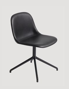 The FIBER SIDE chair is the latest addition to the FIBER chair family, which also means it is constructed with the same elegant innovative bio-composite material with up to 25% wood fibers. With an eye for detail, every line and every curve of the FIBER SIDE chair swivel base has been designed to balance maximum comfort with minimum space. Designed by Iskos-Berlin #muuto #muutodesign