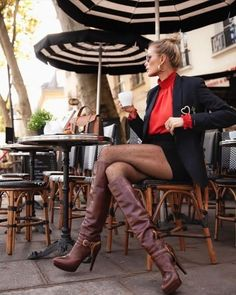 Thigh High Boots Heels, Knee Boots, Sexy Stiefel, Skirts With Boots, Sexy Shirts, Cozy Fashion, Sexy Boots, Sensual, Ideias Fashion
