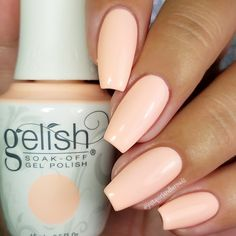 Nothing beats a summer fling when you're crushing on these #SelfieReadyNails by Autumn using her giftedGelish Soak-Off Gel Polish in All About The Pout. Check out this salon-exclusive by clicking through. Products were gifted as part of the Preen.Me VIP program together with Gelish.