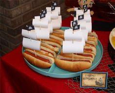 hotdog-sails2.jpg 2,682×2,160 pixels