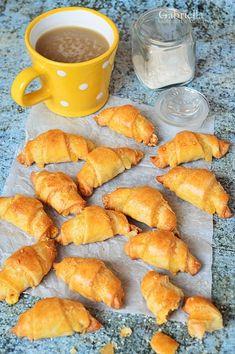 Gabriella kalandjai a konyhában :): Sajtos rugelach Pretzel Bites, Cake Cookies, Bakery, Pizza, Bread, Food, Drinks, Beverages, Bakery Shops