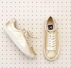 VEJA - Esplar Leather Gold // sustainable sneakers // www.ecosphere.se
