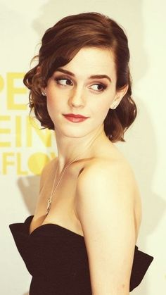 Emma Watson hair and makeup