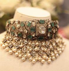 Bridal Jewelry, Beaded Jewelry, Designer Jewellery, Diamond Jewellery, Trendy Jewelry, Fashion Jewelry, Rajputi Jewellery, Beaded Necklace Patterns, Emerald Jewelry