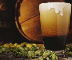 """UN SABOR... ALGO """"DIFERENTE"""". Reproducen la cerveza de hace 5500 años. De sabor avinagrado y amargo, no superó la prueba de los paladares más exigentes y conocedores de la materia."""