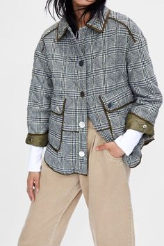 5a57ce4485 Image 5 of PUFFER PARKA WITH CONTRASTING PIPING from Zara Botão Camisa Para  Baixo