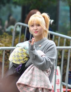 151023 TWICE arriving at Music Bank by KpopMap #musicbank, #kpopmap, #kpop, #twice, #kpopmap_twice, #kpopmap_151023 Pop Group, Girl Group, Jyp Trainee, Twice Kpop, Kpop Girls, Fancy, Seventeen, Music, Fashion
