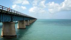 The drive along Highway 1 from Miami to Key West is a classic American road trip, and Anthony and I were eager to give it a go when we found ourselves in Florida. The drive is incredible, covering 100 tiny […] Road Trip Florida, Florida Vacation, Florida Keys, Fl Keys, West Florida, Vacation Destinations, Vacation Spots, Beautiful Places In California, West Road